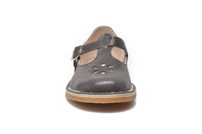 Ballerines Aster Dingo Gris vue portées chaussures