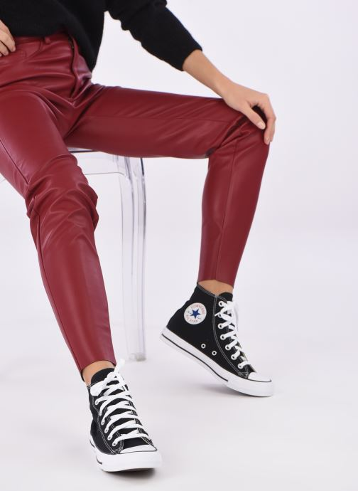 Trainers Converse Chuck Taylor All Star Seasonal Hi Black view from underneath / model view