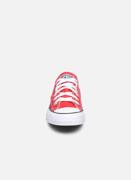 Sneakers Converse Chuck Taylor All Star Ox W Rosso modello indossato