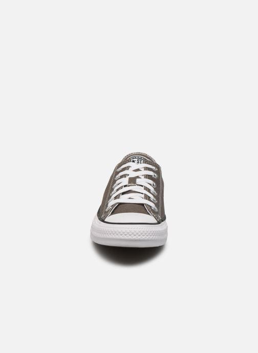 Baskets Converse Chuck Taylor All Star Ox W Gris vue portées chaussures