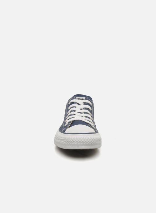 Sneakers Converse Chuck Taylor All Star Ox W Azzurro modello indossato
