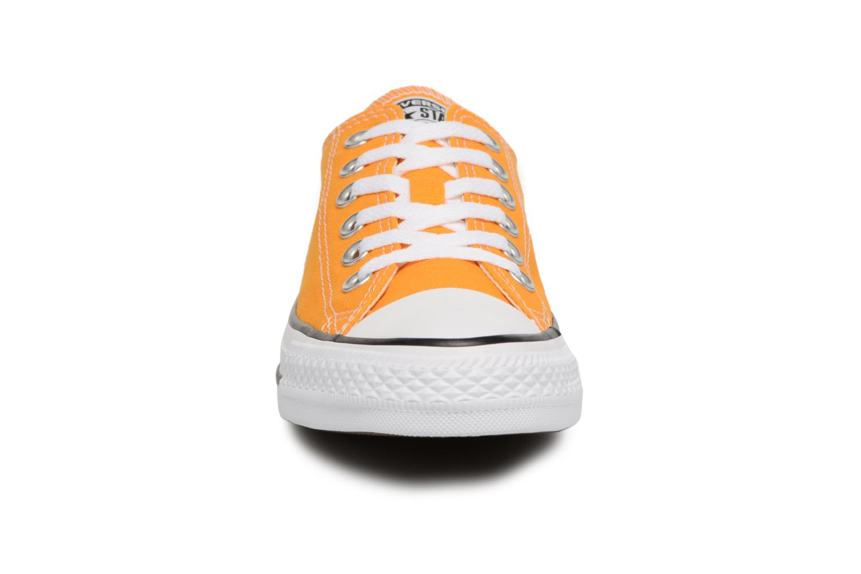 Baskets Converse Chuck Taylor All Star Ox W Orange vue portées chaussures