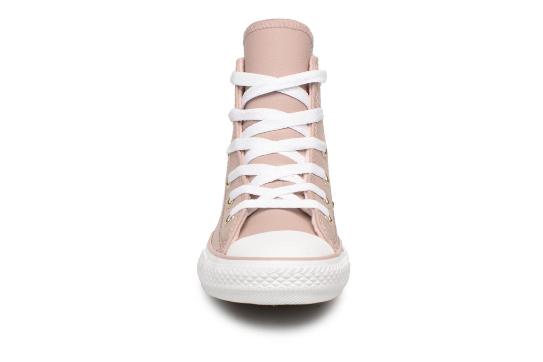 Baskets Converse Chuck Taylor All Star Hi K Beige vue portées chaussures