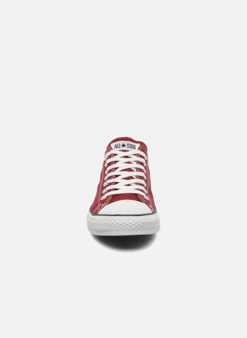 Baskets Converse Chuck Taylor All Star Ox M Bordeaux vue portées chaussures