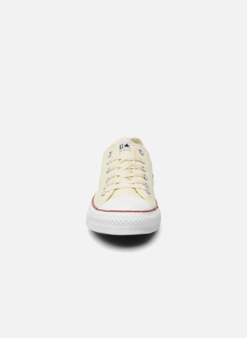 Baskets Converse Chuck Taylor All Star Ox M Beige vue portées chaussures