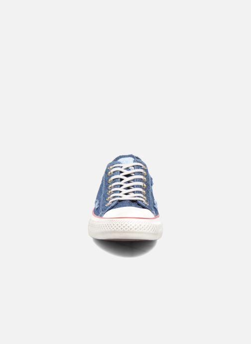 Baskets Converse Chuck Taylor All Star Ox M Bleu vue portées chaussures