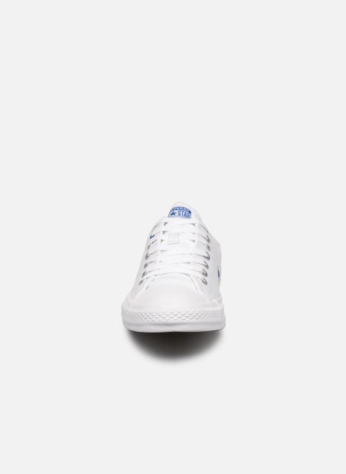 Baskets Converse Chuck Taylor All Star Ox M Blanc vue portées chaussures