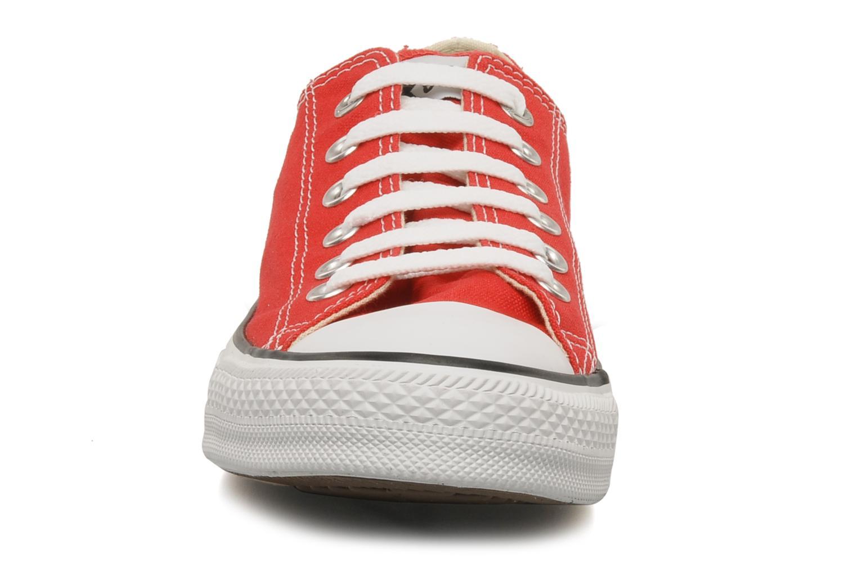 Sneaker Converse Chuck Taylor All Star Ox M rot schuhe getragen