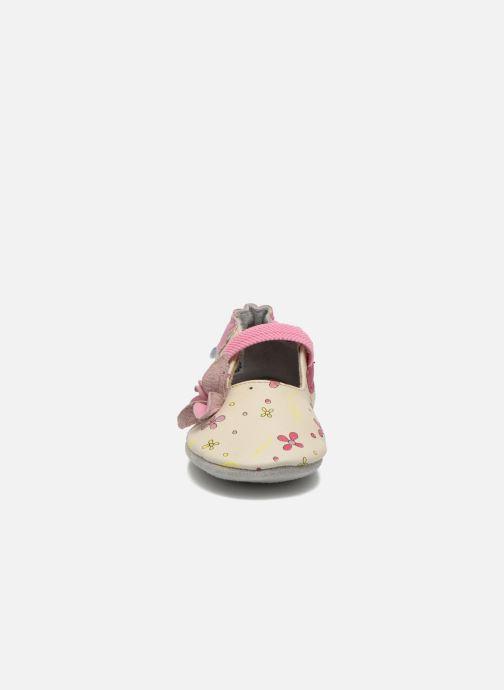 Pantofole Robeez Flower Power Beige modello indossato