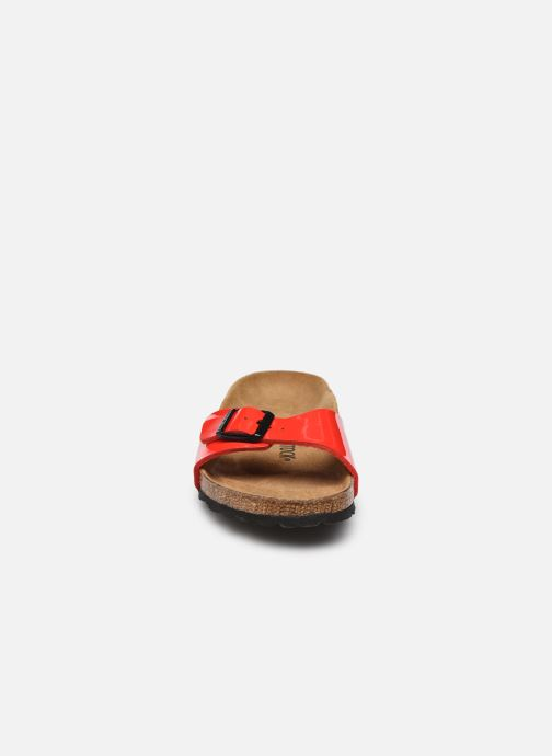 Mules et sabots Birkenstock Madrid Flor W Rouge vue portées chaussures
