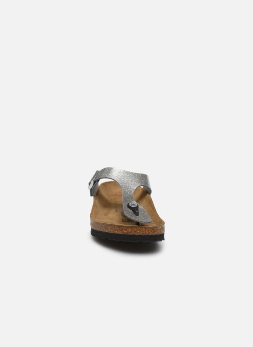 Mules et sabots Birkenstock Gizeh Flor W Argent vue portées chaussures
