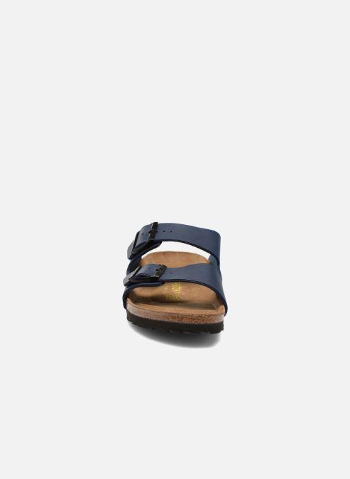 Sandali e scarpe aperte Birkenstock Arizona Flor M Azzurro modello indossato