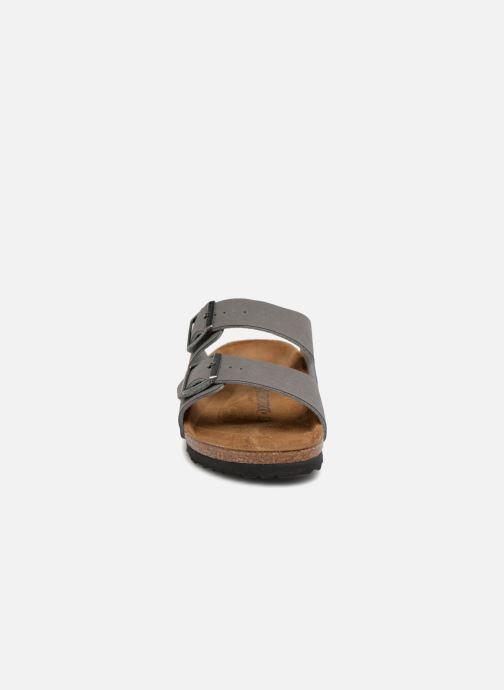 Sandali e scarpe aperte Birkenstock Arizona Flor M Grigio modello indossato