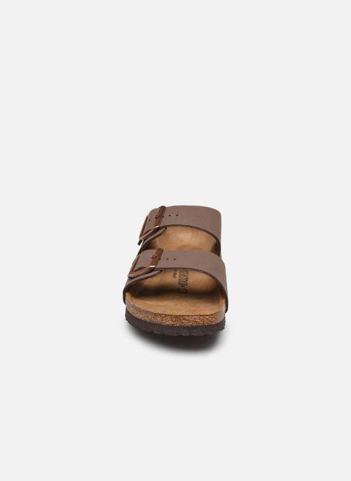 Sandales et nu-pieds Birkenstock Arizona Flor M Marron vue portées chaussures