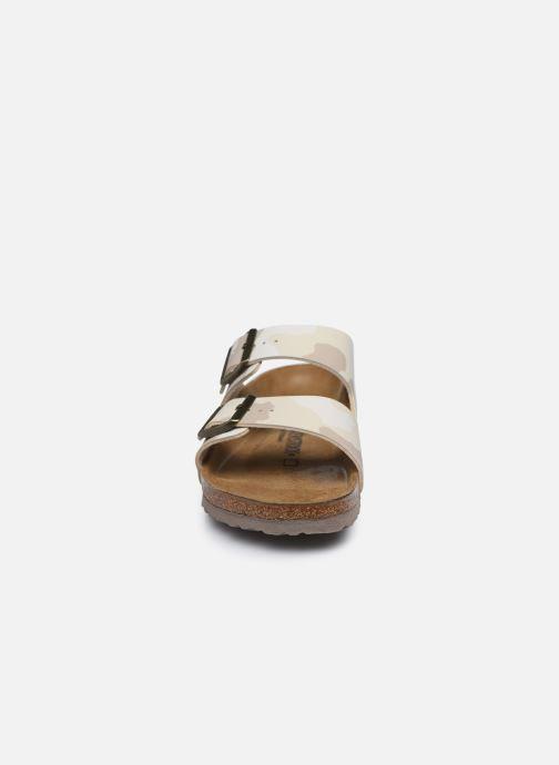 Sandalen Birkenstock Arizona Flor M weiß schuhe getragen