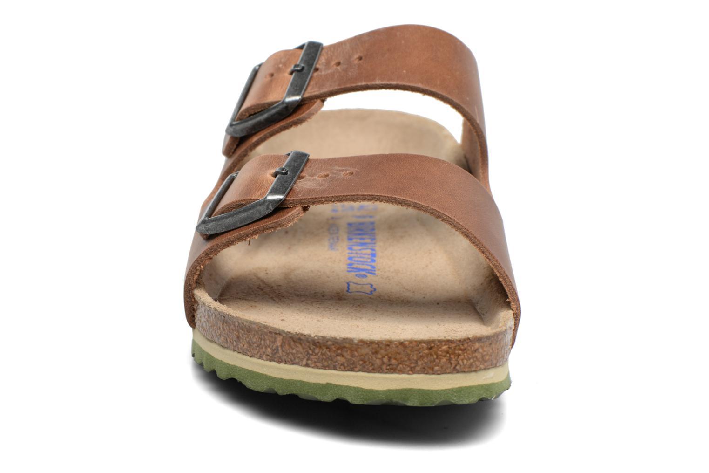 Sandaler Birkenstock Arizona Cuir M Brun bild av skorna på