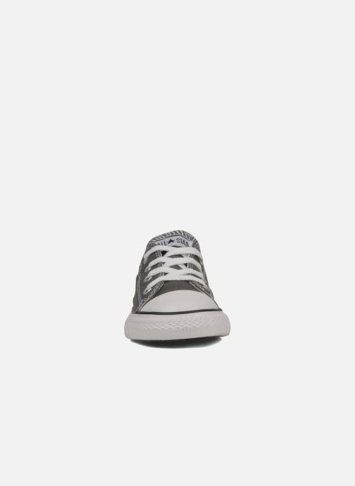Baskets Converse Chuck Taylor All Star Ox K Gris vue portées chaussures