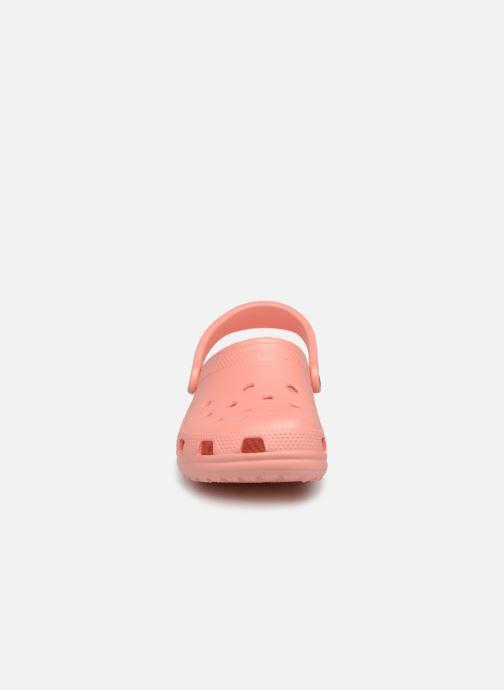 Mules et sabots Crocs Classic F Orange vue portées chaussures
