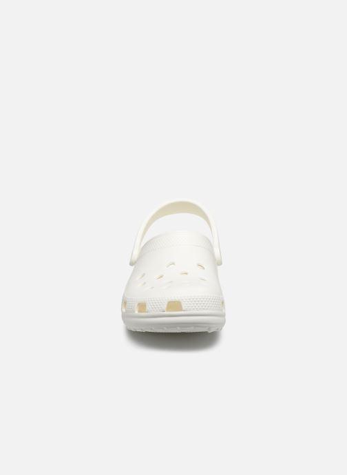 Zoccoli Crocs Cayman F Bianco modello indossato