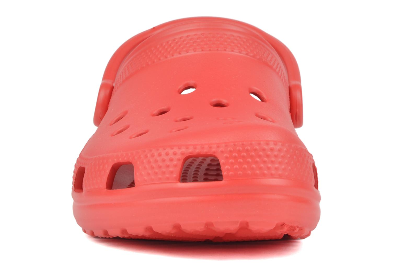 Mules et sabots Crocs Classic F Rouge vue portées chaussures