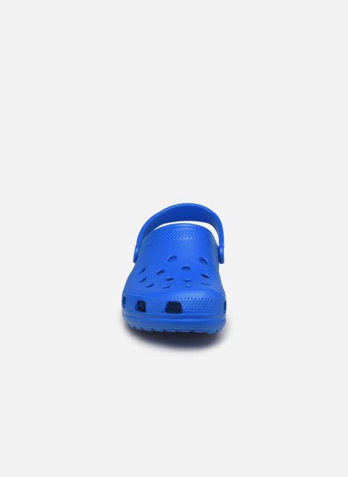 Sandali e scarpe aperte Crocs Cayman H Azzurro modello indossato