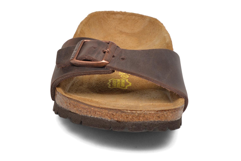 Mules et sabots Birkenstock Madrid Cuir W Marron vue portées chaussures