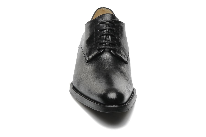 Chaussures à lacets Free Lance Queenie 4 Derby Noir vue portées chaussures