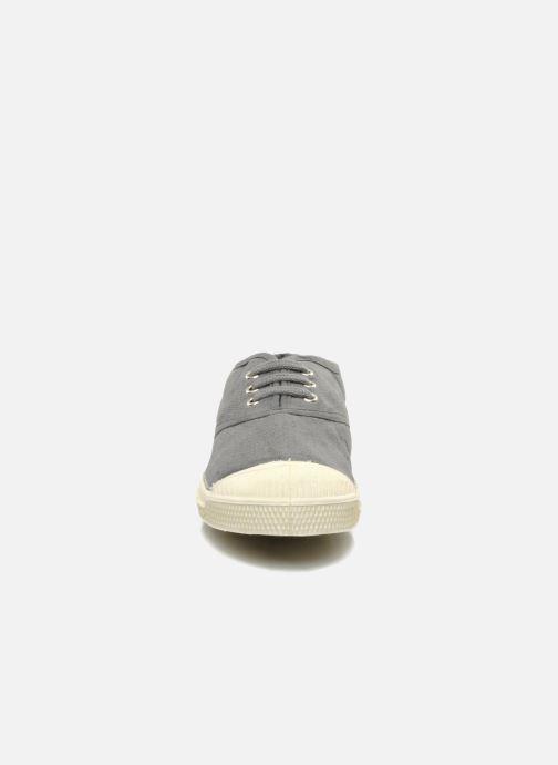 Sneakers Bensimon Tennis Lacets E Grigio modello indossato