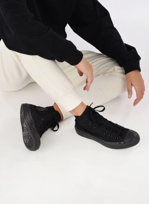 Sneaker Converse Chuck Taylor All Star Monochrome Canvas Hi W schwarz ansicht von unten / tasche getragen