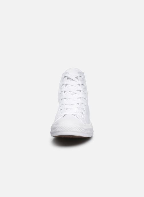 Baskets Converse Chuck Taylor All Star Monochrome Canvas Hi M Blanc vue portées chaussures