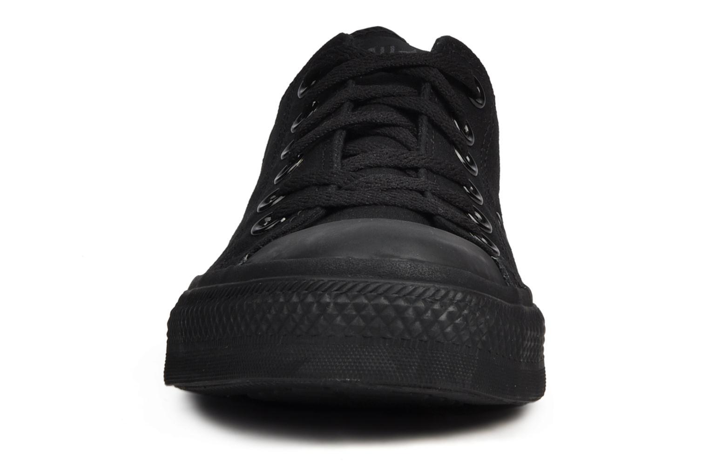 Baskets Converse Chuck Taylor All Star Monochrome Canvas Ox M Noir vue portées chaussures