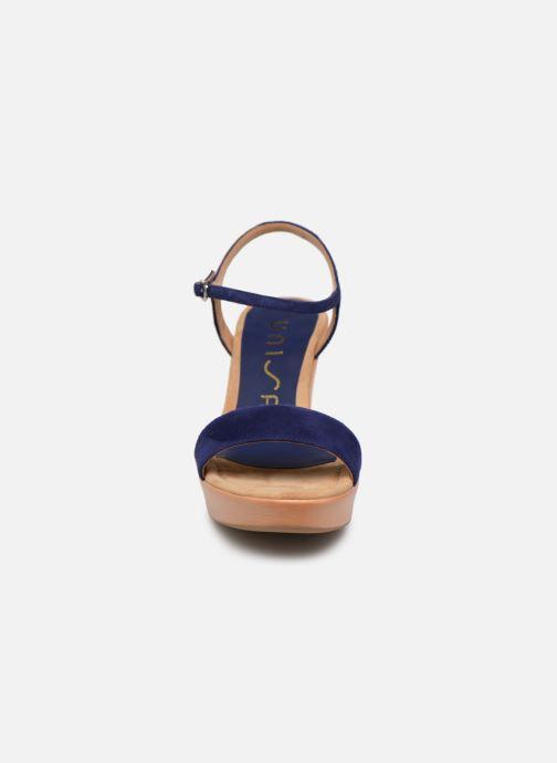 Sandalias Unisa Rita Azul vista del modelo