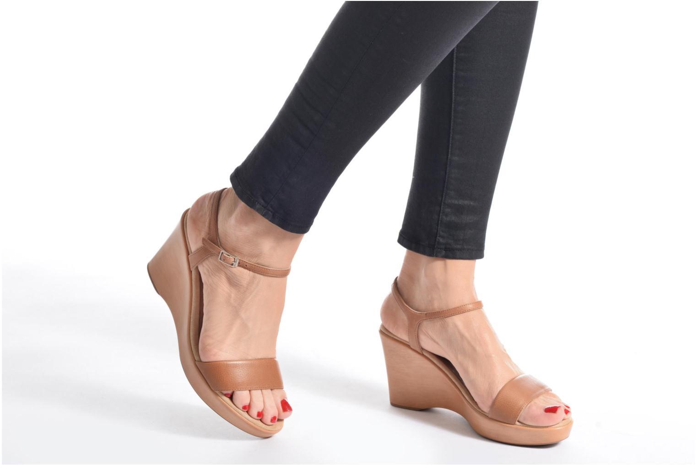 Sandales et nu-pieds Unisa Rita Marron vue bas / vue portée sac
