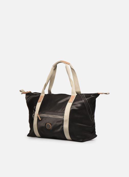 Bagagli Kipling Art M Nero modello indossato