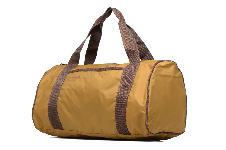 Sacs de sport Bensimon Color Bag Jaune vue portées chaussures