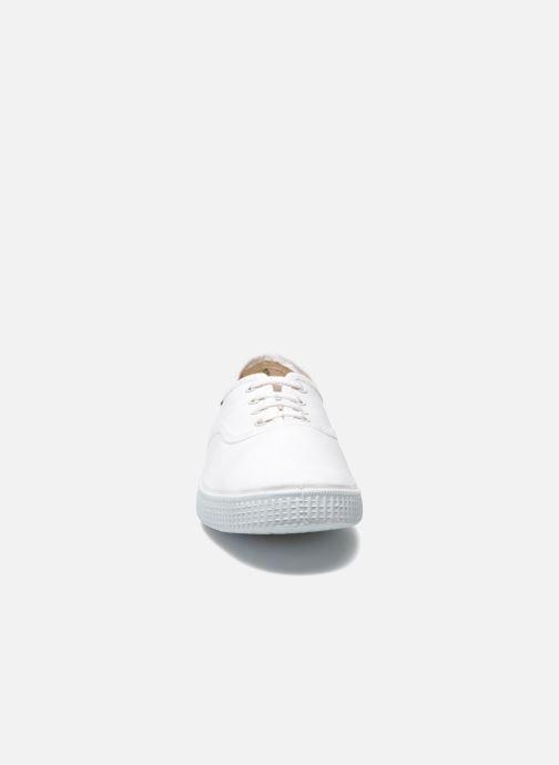Sneakers Victoria Victoria M Bianco modello indossato