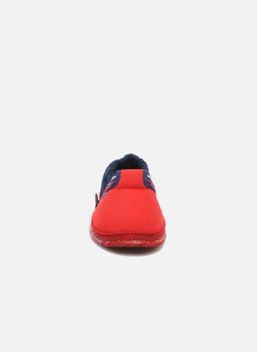 Tofflor Giesswein Aichach Röd bild av skorna på