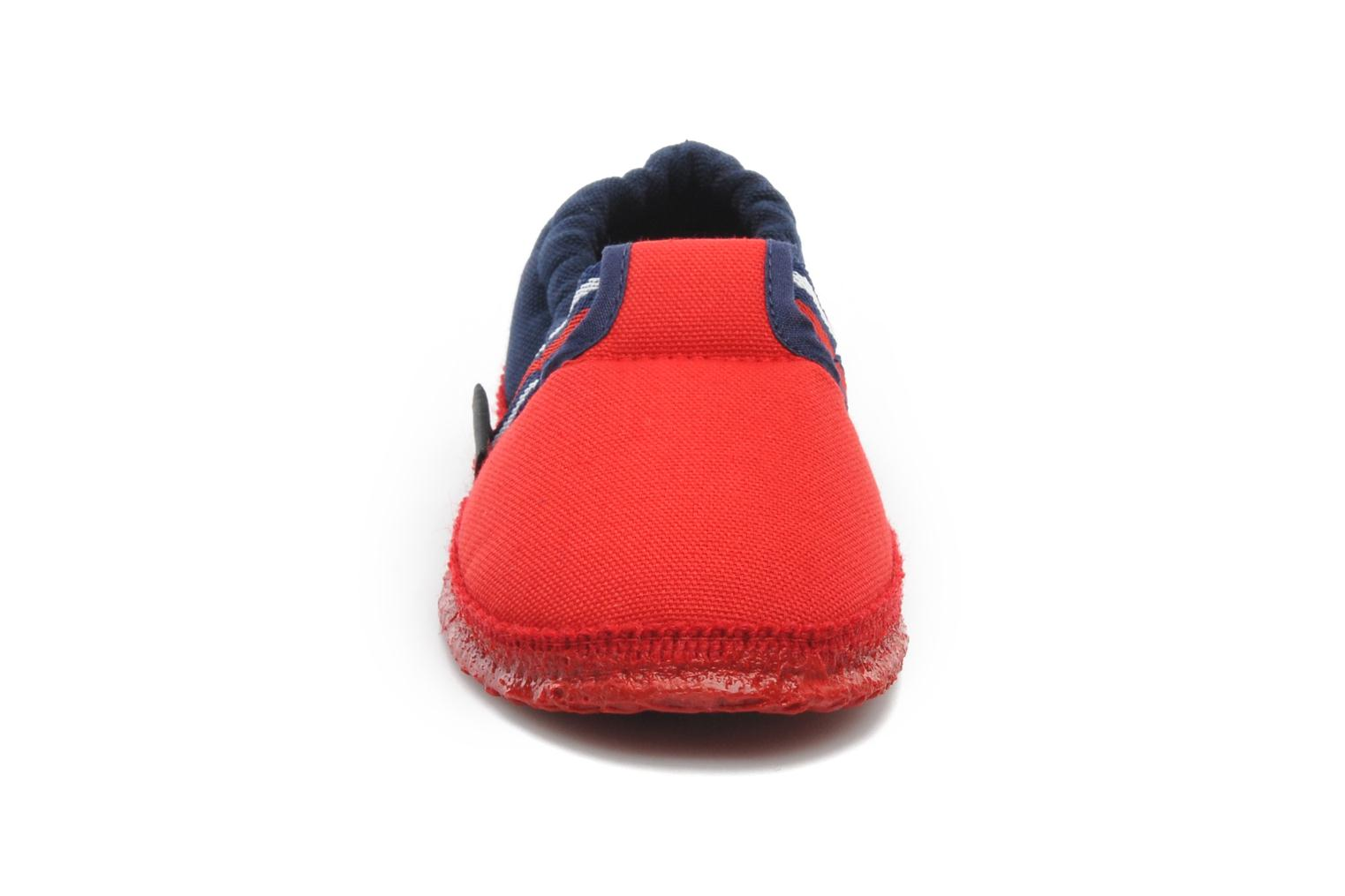 Chaussons Giesswein Aichach Rouge vue portées chaussures