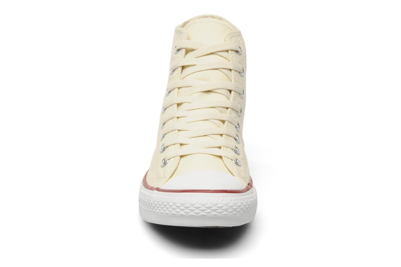 Sneakers Converse Chuck Taylor All Star Hi M Beige modello indossato