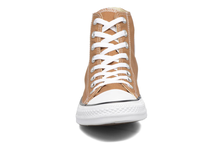 Sneakers Converse Chuck Taylor All Star Hi M Marrone modello indossato