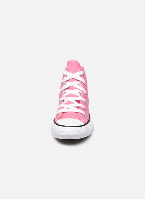 Sneakers Converse Chuck Taylor All Star Core Hi Rosa modello indossato