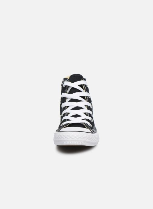 Sneakers Converse Chuck Taylor All Star Core Hi Nero modello indossato