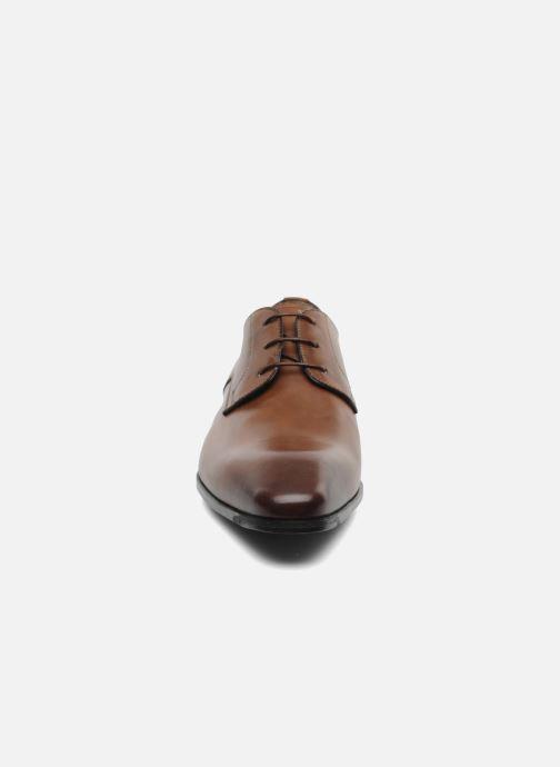 Zapatos con cordones Santoni Marlone 9290 Marrón vista del modelo