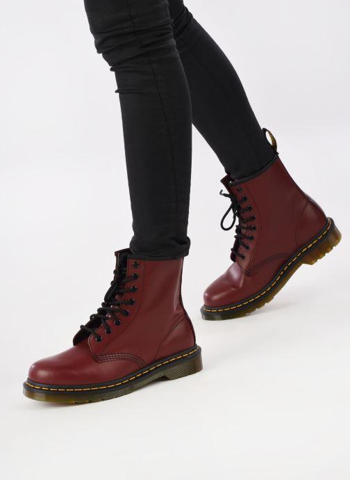 Stiefeletten & Boots Dr. Martens 1460 W weinrot ansicht von unten / tasche getragen