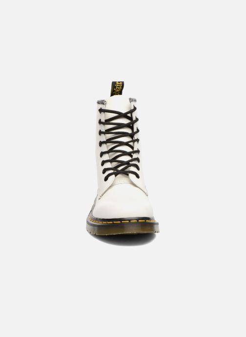 Bottines et boots Dr. Martens 1460 W Blanc vue portées chaussures