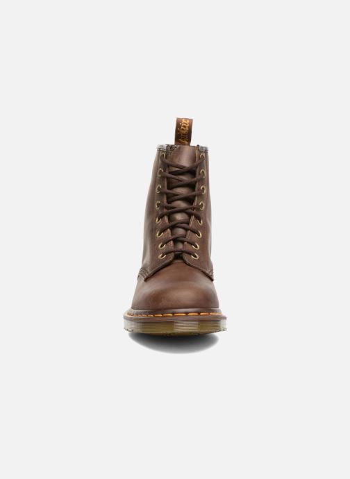 Boots Dr. Martens 1460 W Brun bild av skorna på