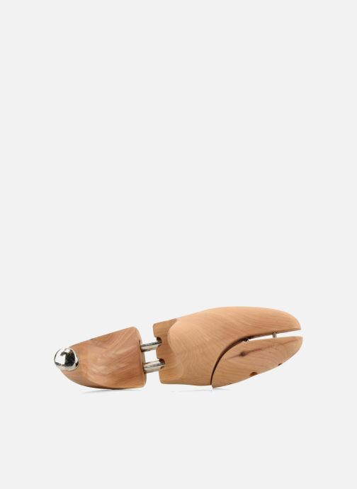 Care products Famaco Cedar shoetree Beige view from the left