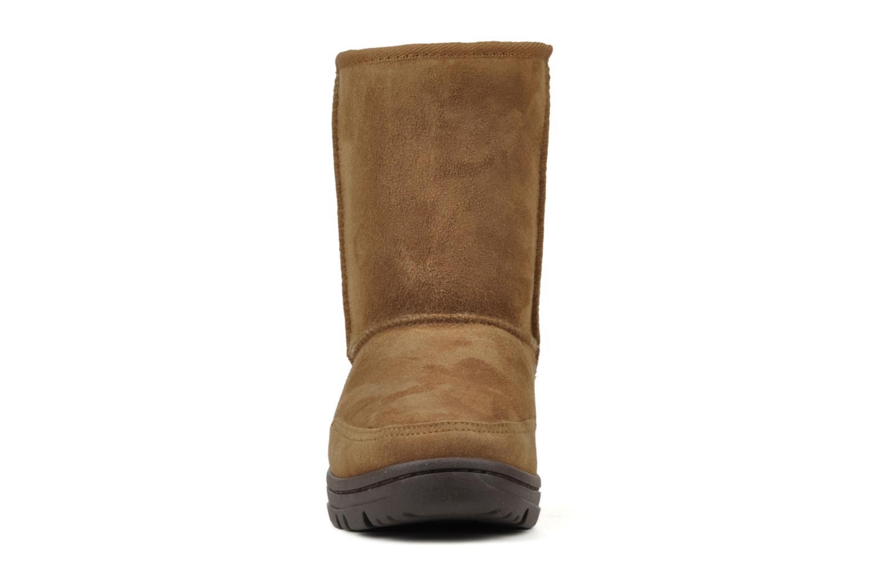 Bottines et boots UGG Ultra Short W Marron vue portées chaussures