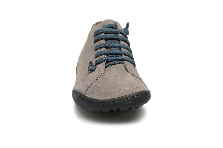 Sneakers Camper Peu Cami 20848 Grigio modello indossato