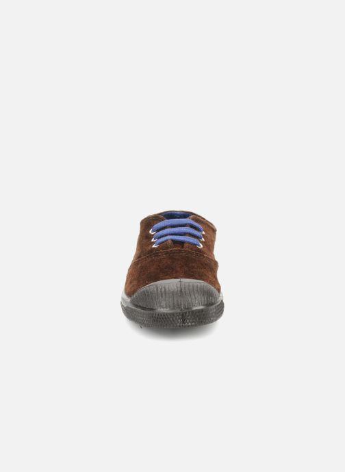 Sneakers Bensimon Tennis Suede E Marrone modello indossato